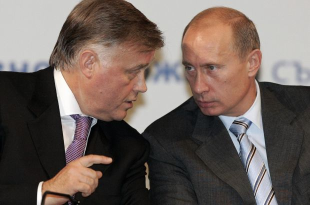 Якунин сравнил обвинения Путина в коррупции с «надписью на заборе»
