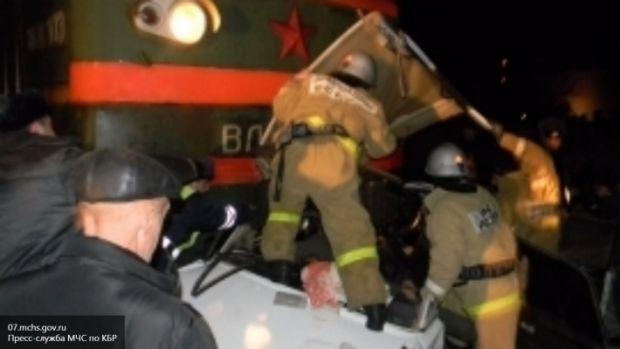 В КБР столкнулись поезд и легковушка, есть жертвы