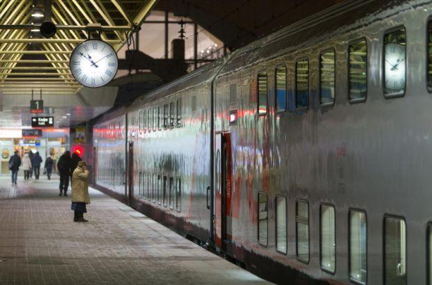 Второй двухэтажный поезд начал курсировать между Петербургом и Москвой