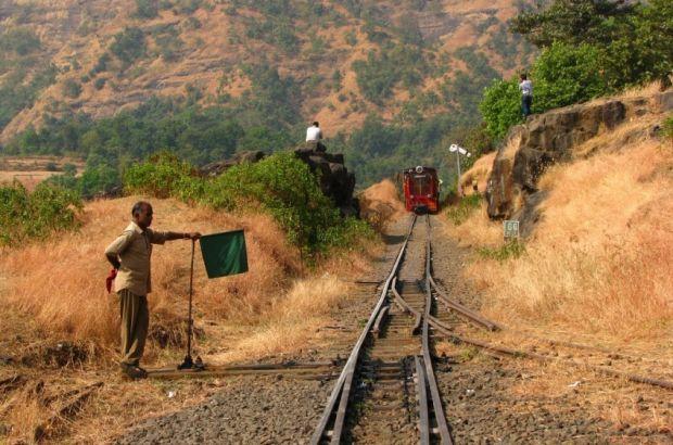 Администрация железных дорог Индии поощряет гибель на путях