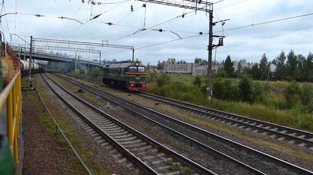 На станции Ручьи в Петербурге тепловоз насмерть сбил женщину