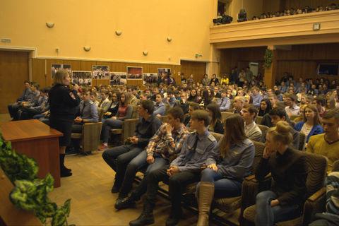 Встреча молодежи с сотрудниками ЛУ МВД России на станции Москва-Ярославская