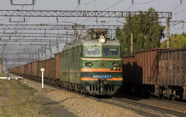 18 вагонов с рудой сошли с рельсов в Алтайском крае