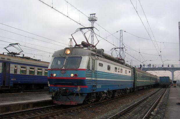 Женщина попала под поезд в Сызрани и осталась жива
