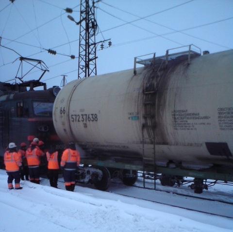В Кировской области сошла с рельсов цистерна грузового поезда