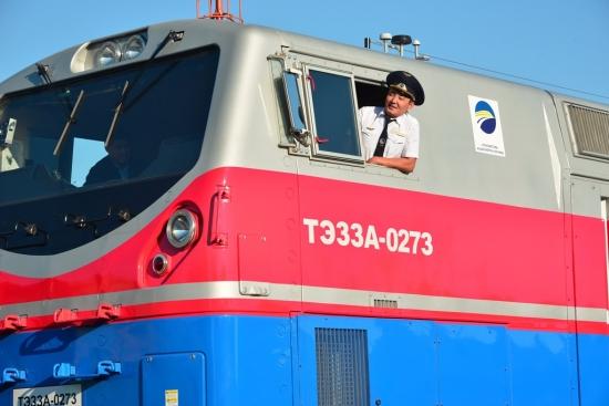 Пассажиры железнодорожного транспорта будут знать, кто ведет поезд