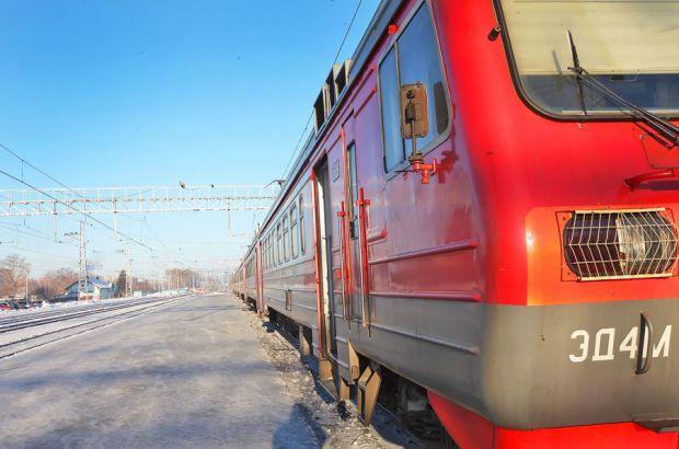 Школьницу в наушниках сбила насмерть электричка во Владивостоке