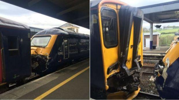 Столкновение поездов в Британии: 18 пострадавших