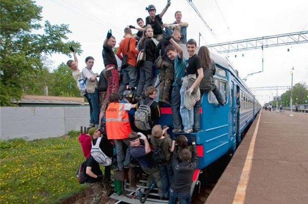 19-летнего зацепера сняли с поезда Москва-Петербург