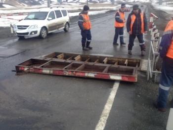 Под Кувандыком неисправный грузовик врезался в железнодорожный переезд