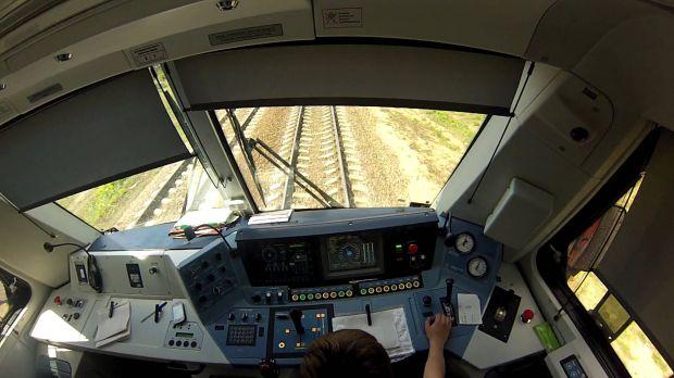 Кабины пассажирских локомотивов депо Киров ГЖД оснастили системой аудио-видеофиксации