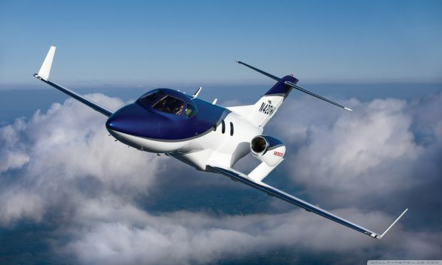 Легкий реактивный самолет