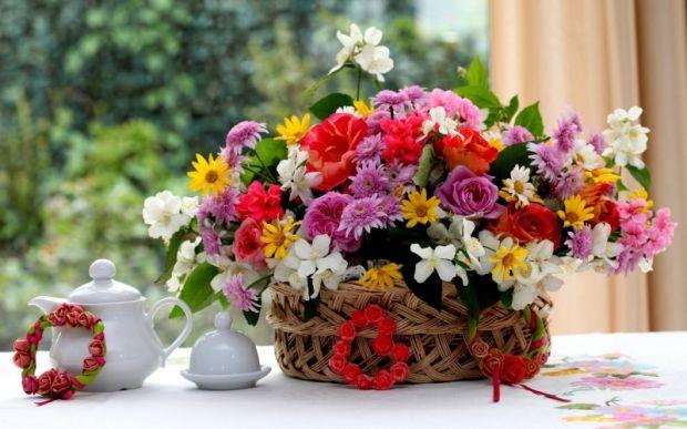 Свежая и своевременная цветочная композиция радует всегда